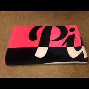 VS PINK - Sherpa Blanket